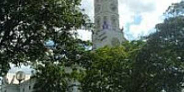 Igreja-Foto:montanha[Panoramio]